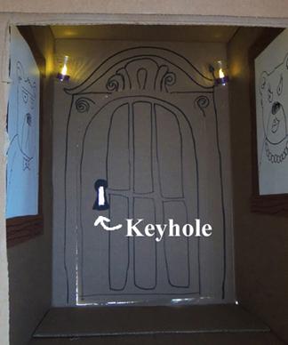 spooky tree keyhole