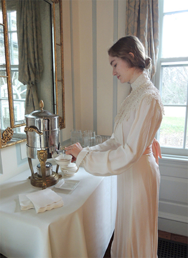 joani pours her victorian tea
