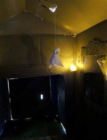 dangling-ghost