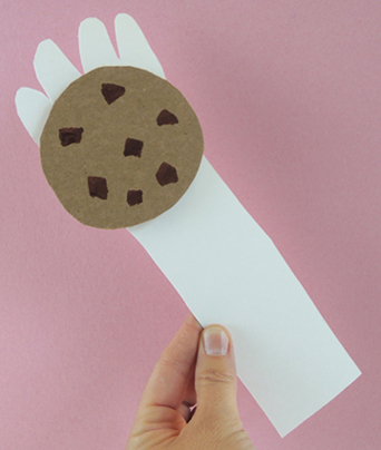 glove-with-cookie