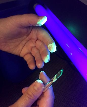 glow-fingers