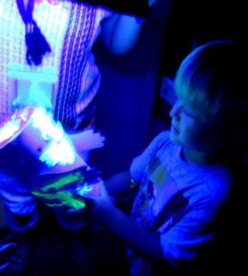 inside-glow-room