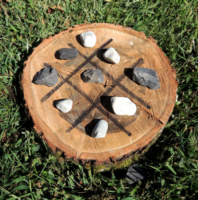 wood slice tic tac toe